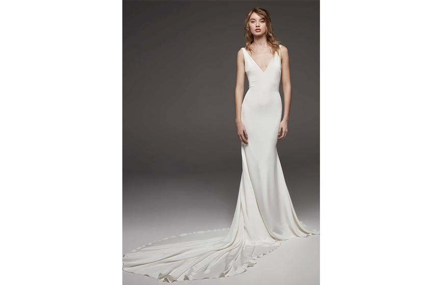 ATELIER PRONOVIAS Women's Atelier Pronovias Hispalis Crepe Cowl Back Gown