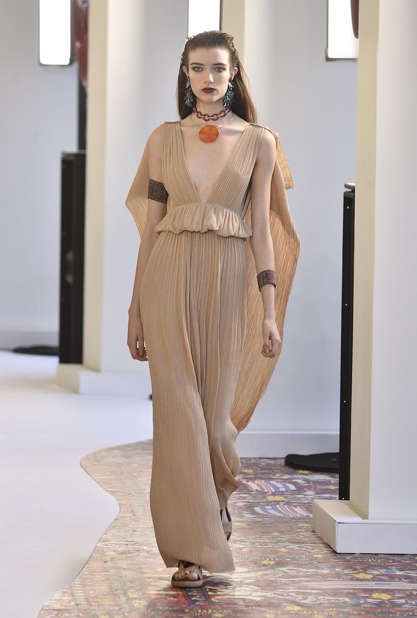 chloe pfw fashion week natacha ramsay levi handbags it bag new logo