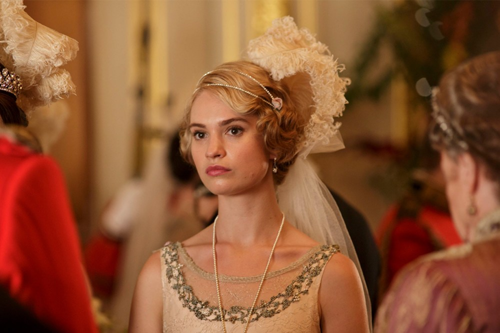 Lily James Downton Abbey
