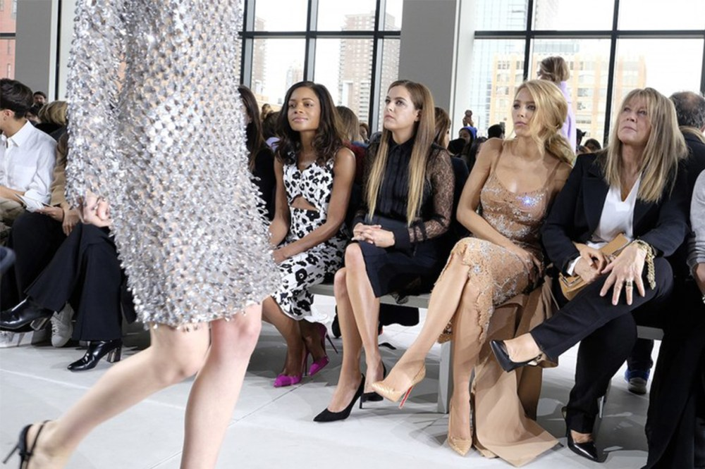"Blake Lively Fashion Show ""Uncross your leg"""