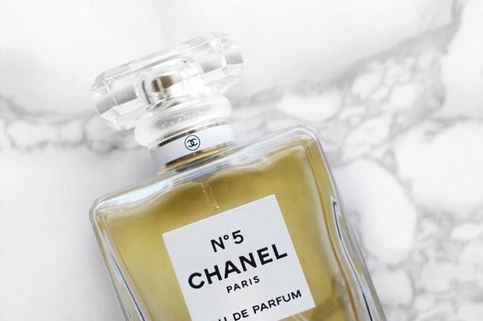 沒有不入手的理由!全新紅色包裝的 Chanel No. 5 實在太美了!