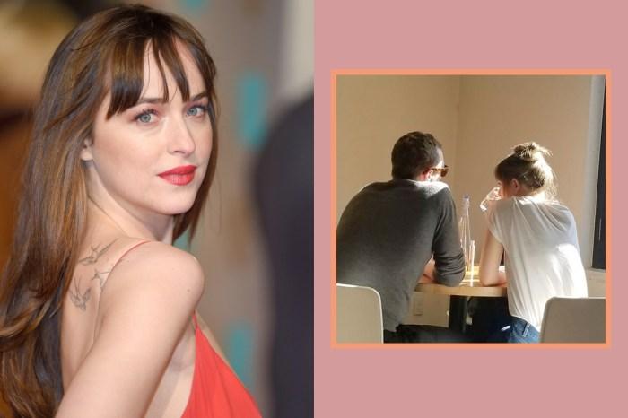 炙熱的眼神宛如旁若無人,Dakota 終於甜笑回應和 Chris 的戀情!