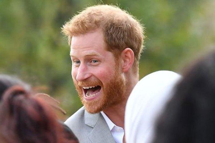 哈里王子「偷吃」影片曝光!被抓包後爛漫一笑融化所有少女心