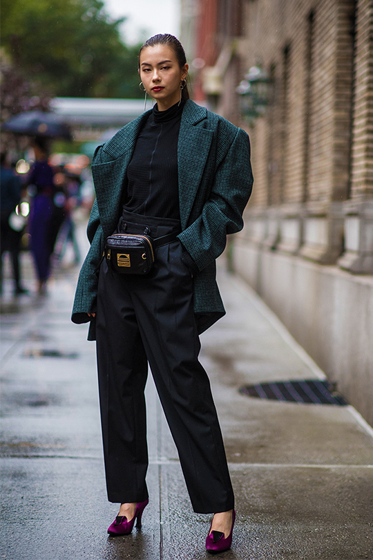 black outfit street style autumn winter