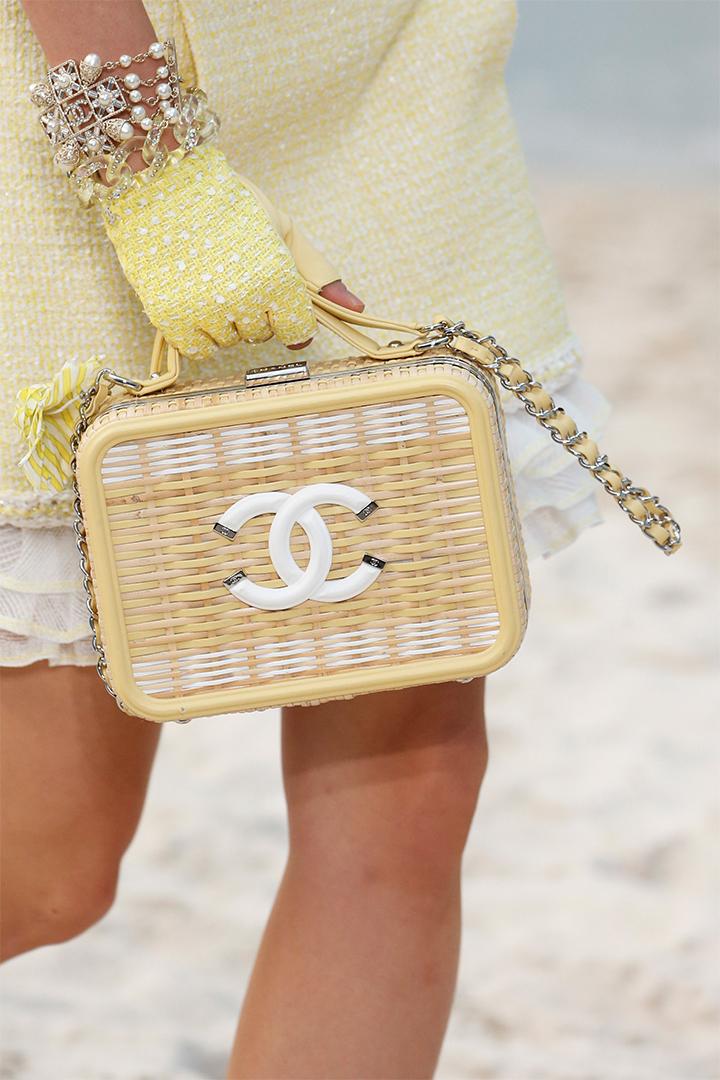 Chanel handbags shoes SS2019 runway pfw