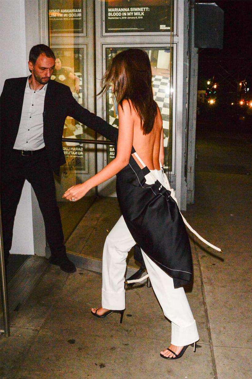 Emily Ratajkowski Went Braless Asymmetrical Outfit