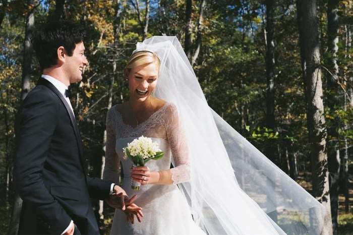 「我想這是他愛我的原因。」Karlie Kloss 貼出與丈夫深情一吻的婚照!