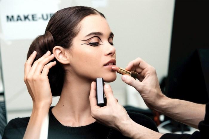 不想化完妝顯老 10 年?《Vogue》御用化妝師分享 9 大要點!
