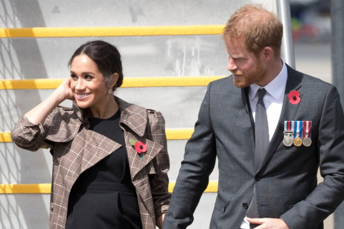 梅根王妃抵達紐西蘭穿的優雅小黑裙,原來只是平民品牌 HK$ 380 的款式!