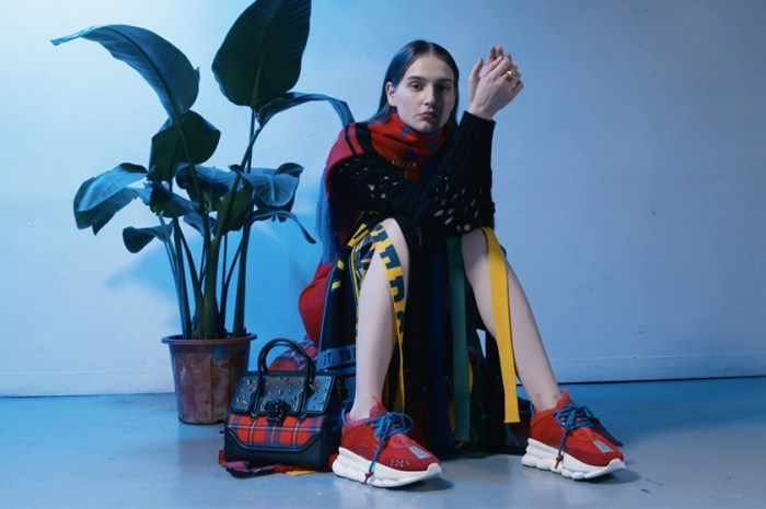 Versace 秋冬系列登場:集齊今季最紅的格仔紋與 Dad Sneakers 成為潮流達人!