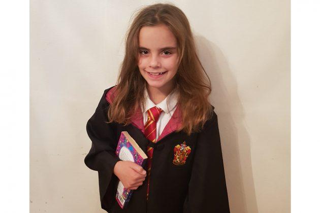 Emmie Allan looks like Hermione in Harry Potter movies