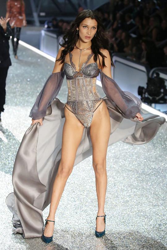 bella-hadid-victorias-secret-underwear-