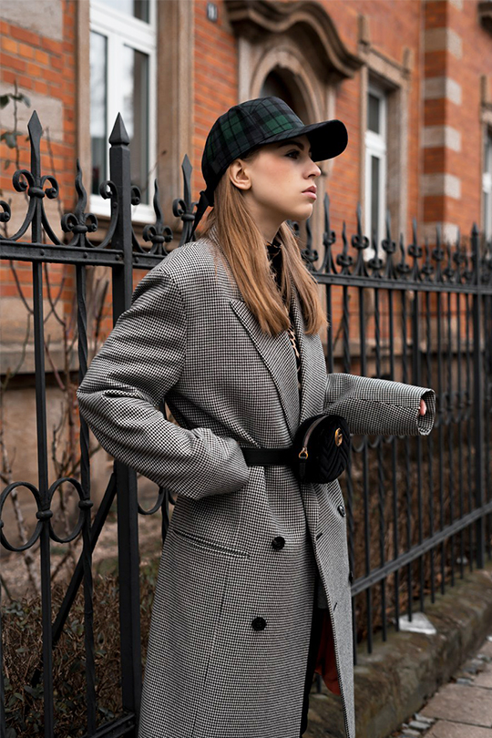 winter-coat-styling-trick-look-younger