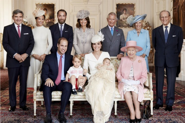英國皇室發布驚喜新相片!看見 3 位小王子小公主必定讓你心融化!