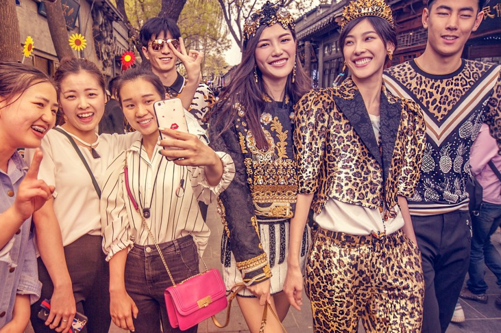 dolce&gabbana ad campaign china racist controversy