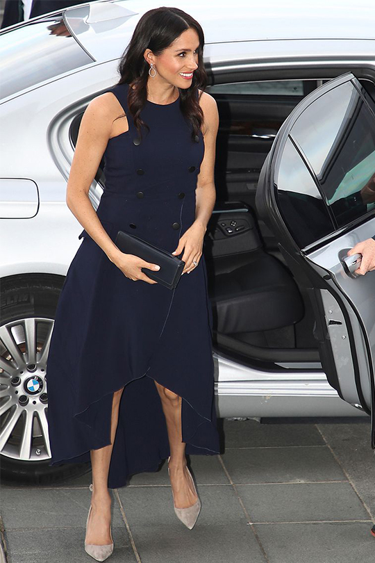 why-meghan-markle-wears-navy-blue