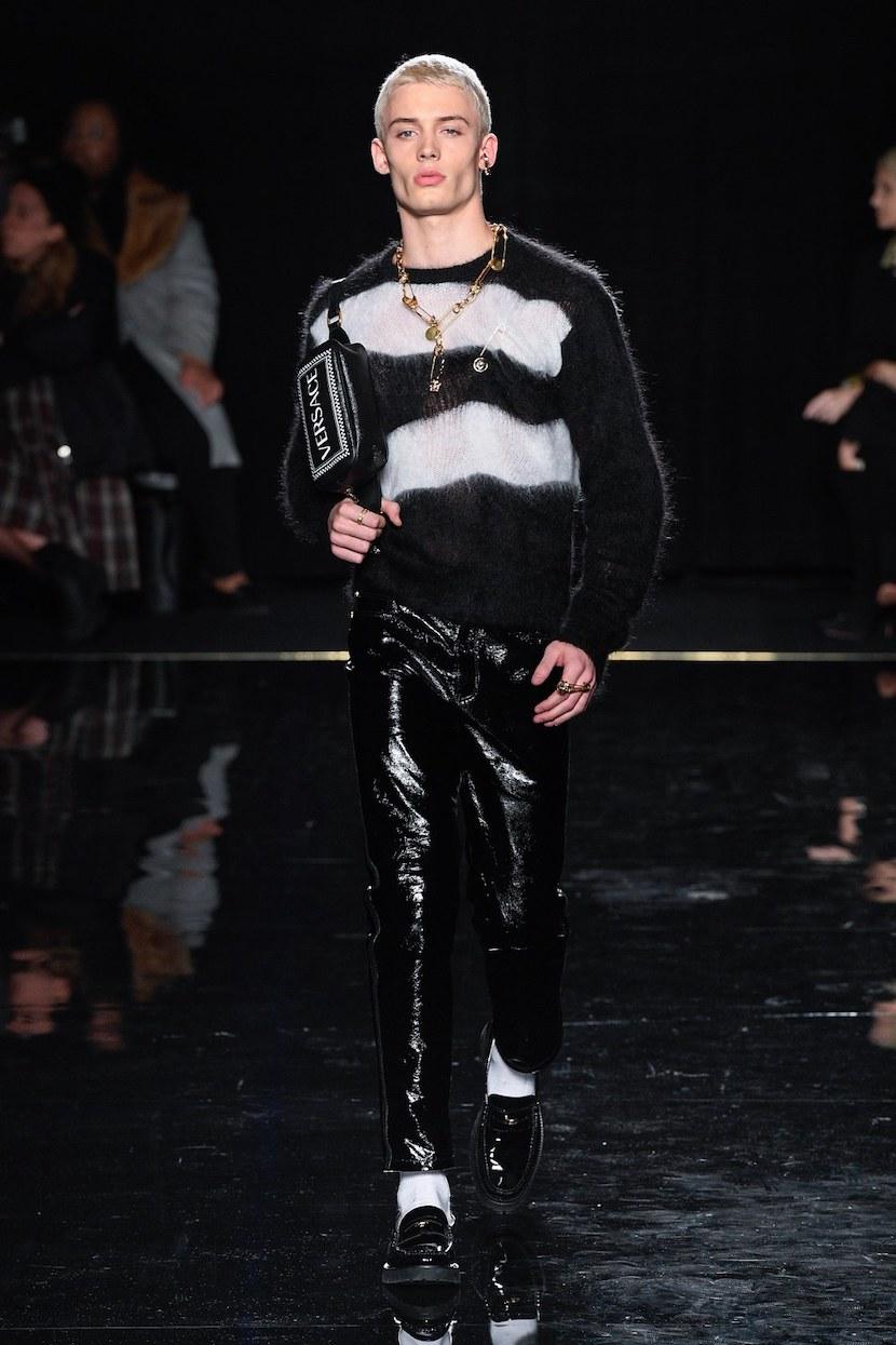 versace last show pre-fall 2019 runway looks