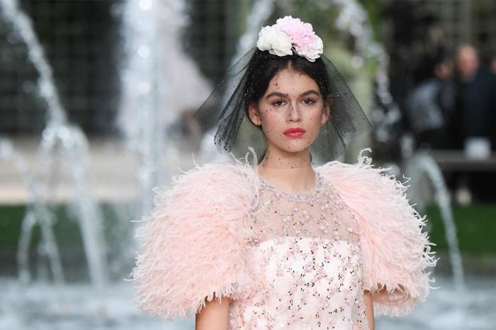 想一睹 Chanel 高訂時裝展的製作精華?必看 Netflix 12 月播出的時尚紀錄片!
