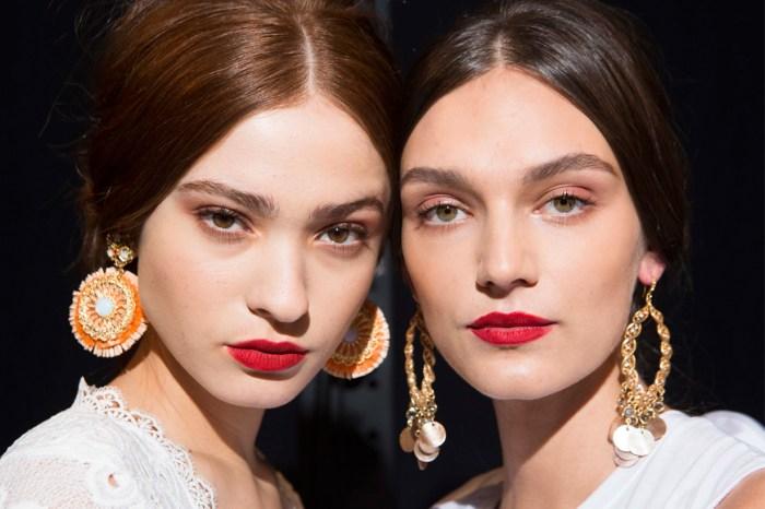 不管今年流行什麼唇色,你的化妝袋也需要一支這樣色的唇膏!