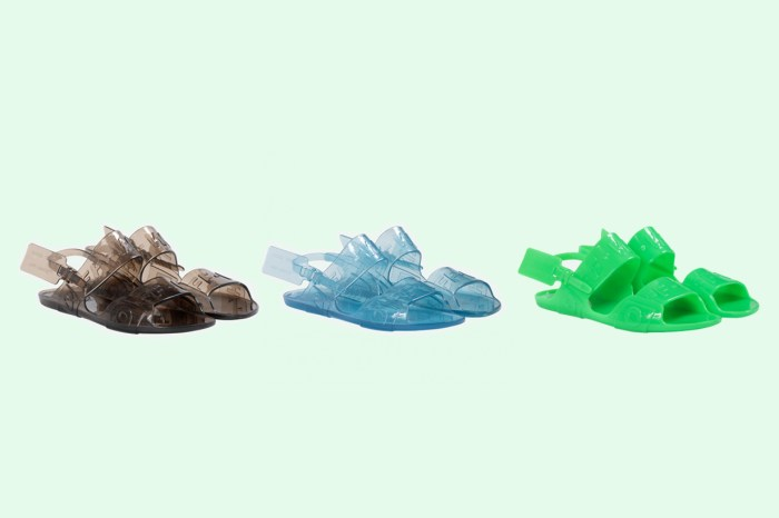 可能是 Off-White 最便宜的鞋?續寫 Ugly Shoes 風潮的果凍涼鞋!
