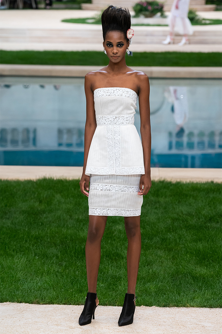 chanel ss19-couture runway look