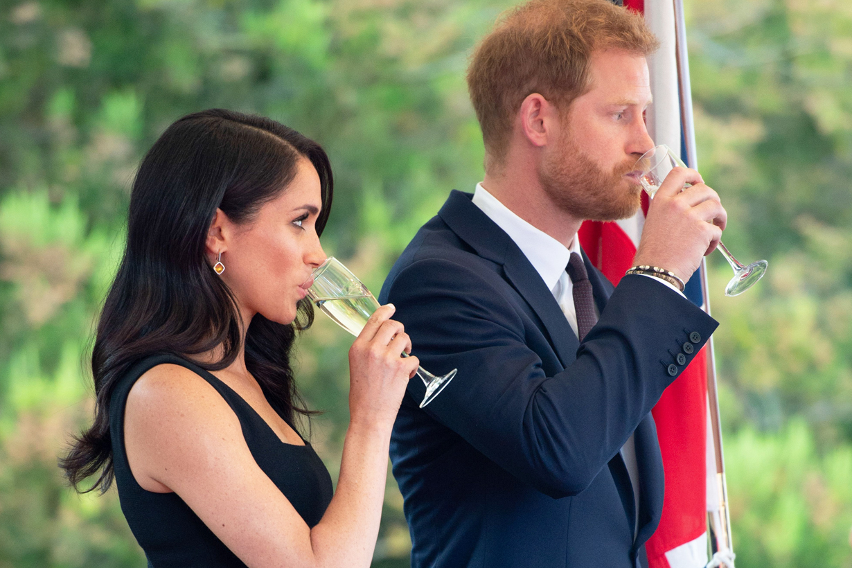 Meghan Markle Prince Harry banned drinking alcohol tea coffee British Royal Family Pregnancy