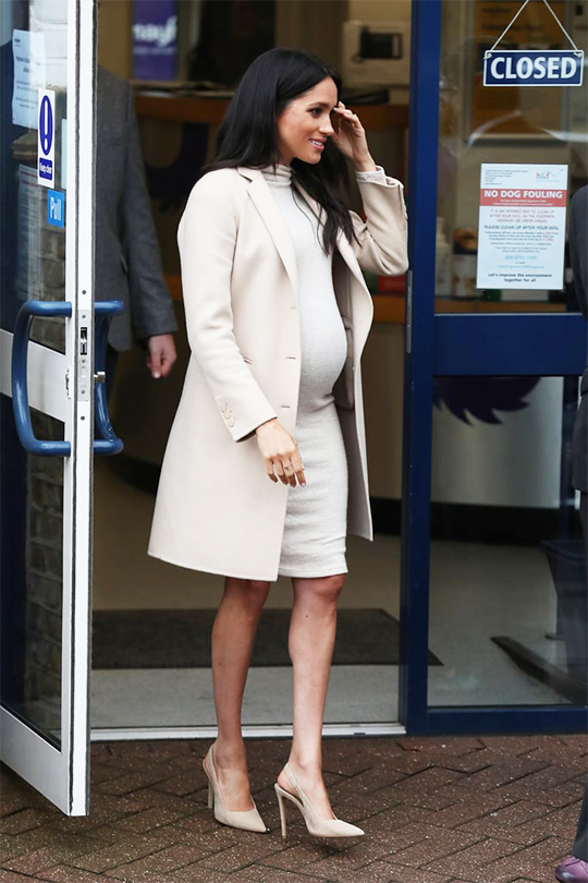 Meghan-Markle-HM-Dress  Maternity Style