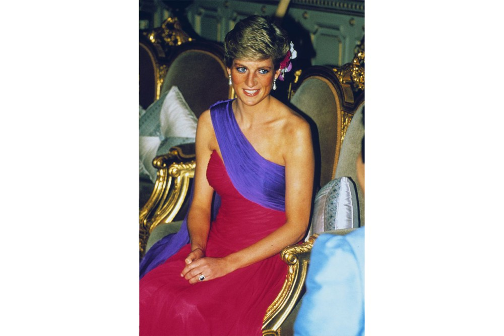 Princess Diana Thailand Purple Red Outfits