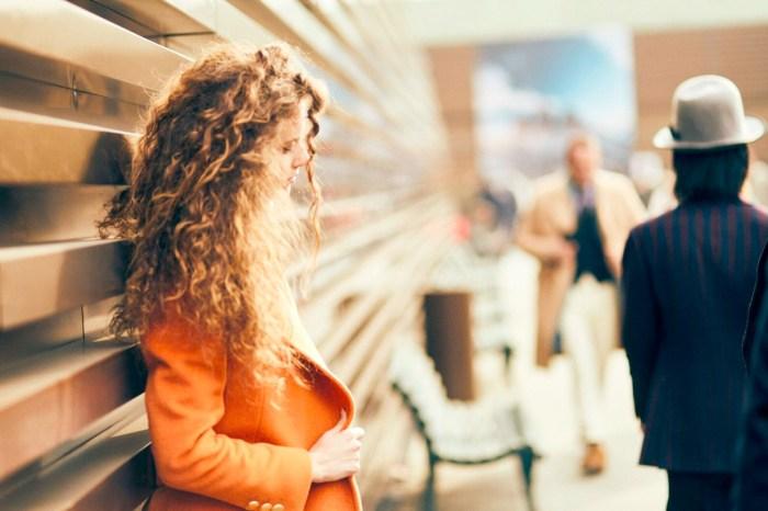 Pitti Uomo 場邊街拍 20+:向全世界最會穿西裝的女生們偷師穿搭靈感!