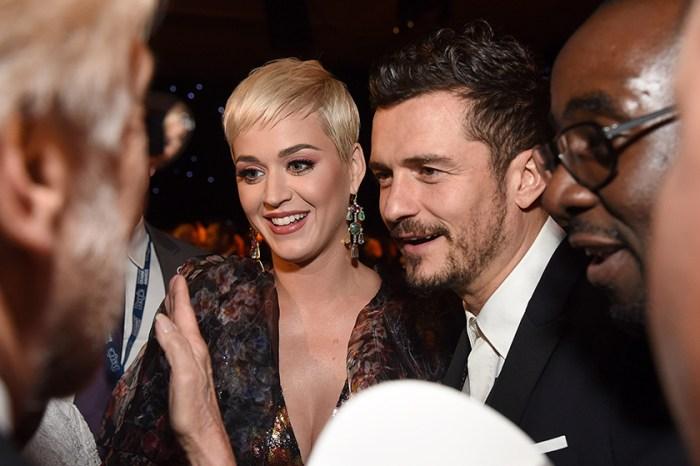 Katy Perry 戴上超大粉色鑽戒與 Orlando Bloom 在情人節這天訂婚了!