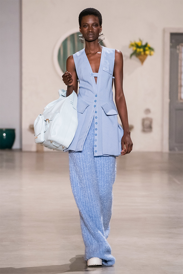 Jacquemus mini bag fall-2019-PFW runway