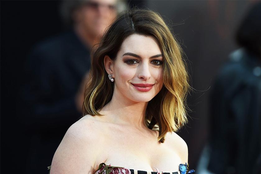 Anne Hathaway Oscars 2019 IG Post