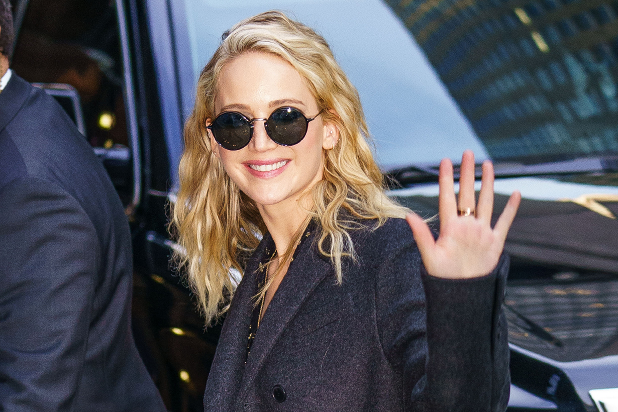 jennifer lawrence engegement ring reveal