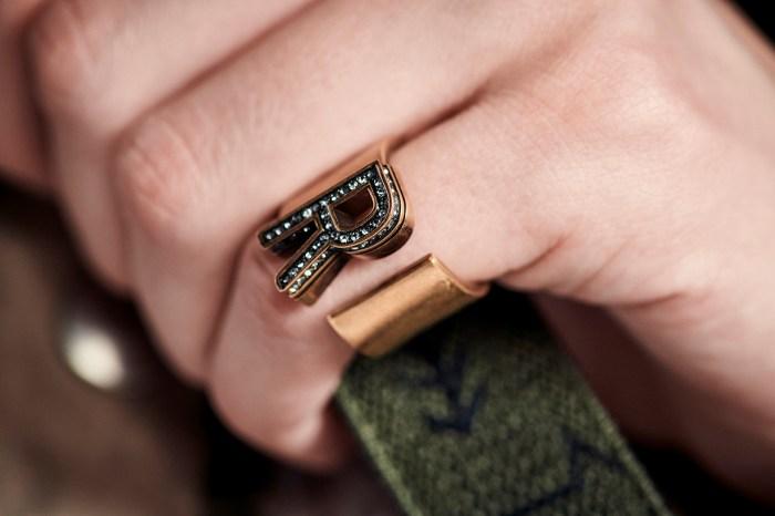 2019 春夏大熱的金色飾物潮流!Dior 推出簡約又時尚的飾物系列
