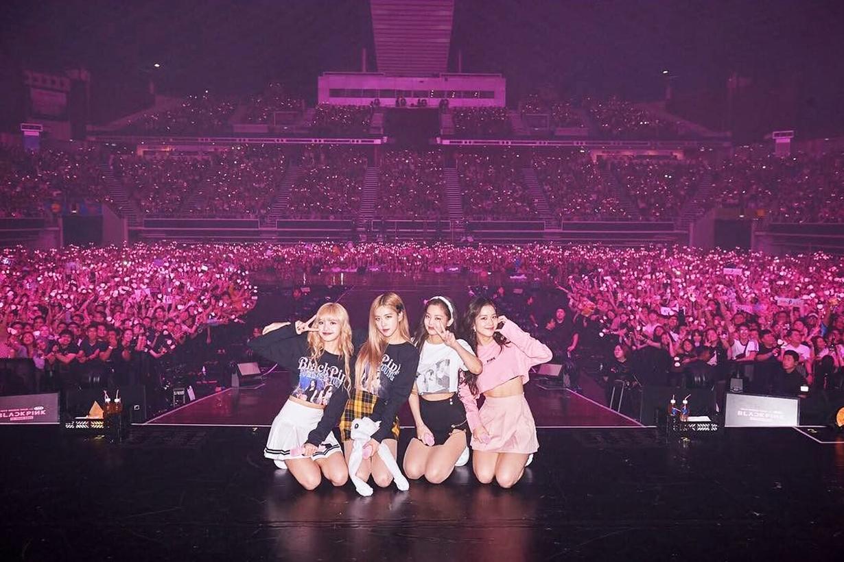 Blackpink Jennie Lisa Jisoo Rose Taipei Concert Tour Blinks fans Concert stage selfie Solo Kiss and Makeup DDU DU DDU DU Forever Young Stay Boombayah K Pop Korean Idols celebrities singers girl band