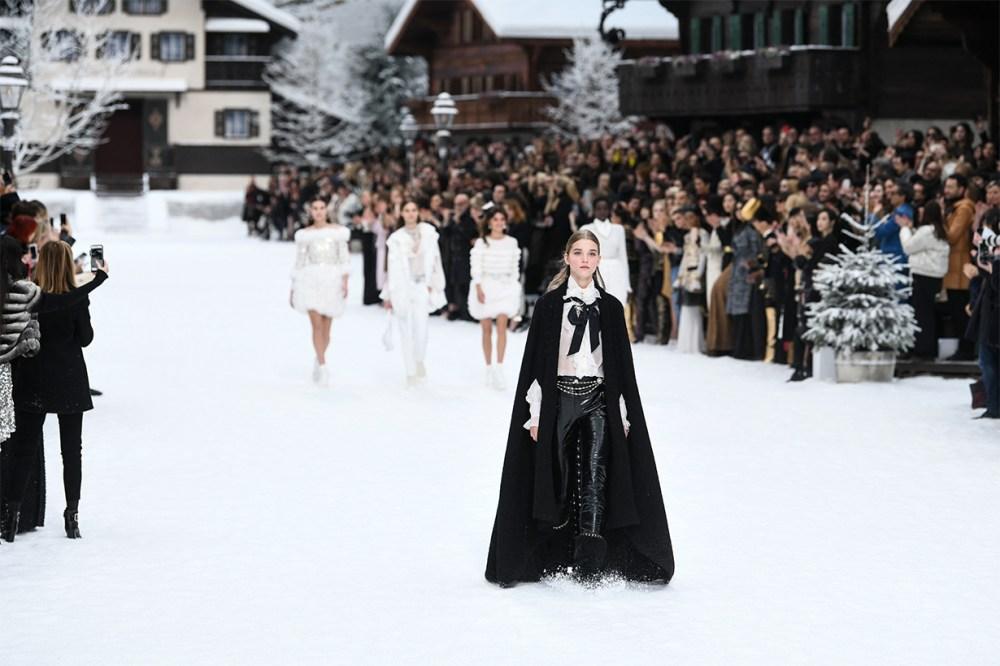Chanel-2019-Fall Runway