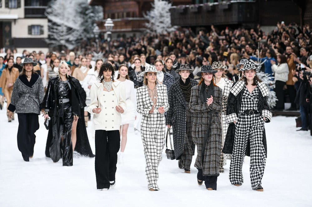 Chanel-2019-Fall-Karl-Lagerfeld David Bowie