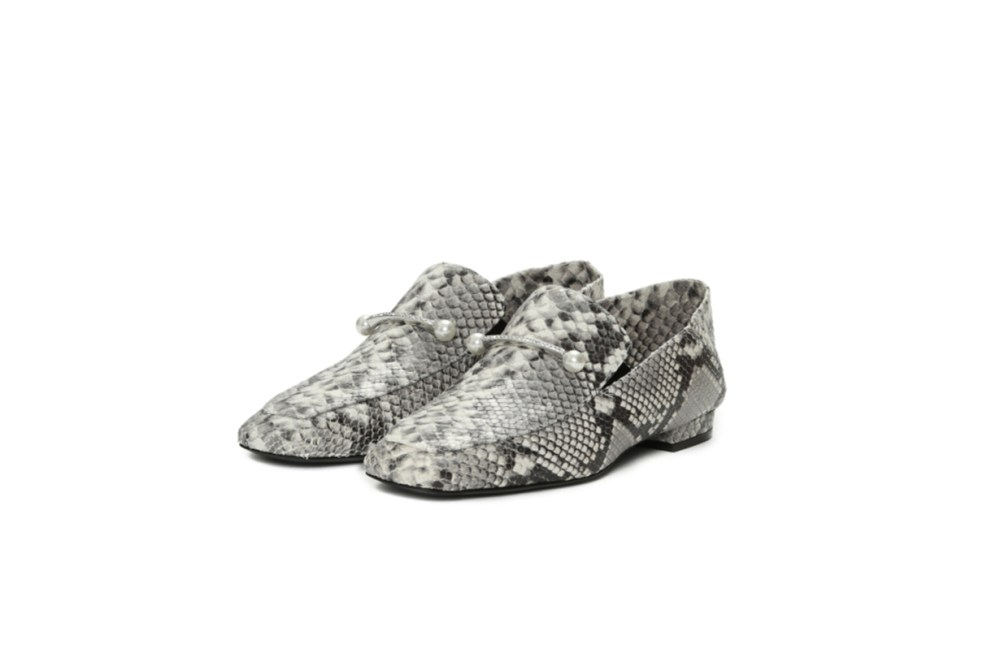 COLIAC Valerio Embellished Loafers