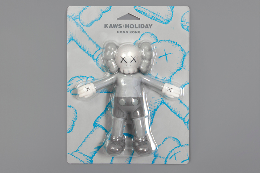 kaws-holiday-hong-kong product T-shirt tote bag figure floating bed