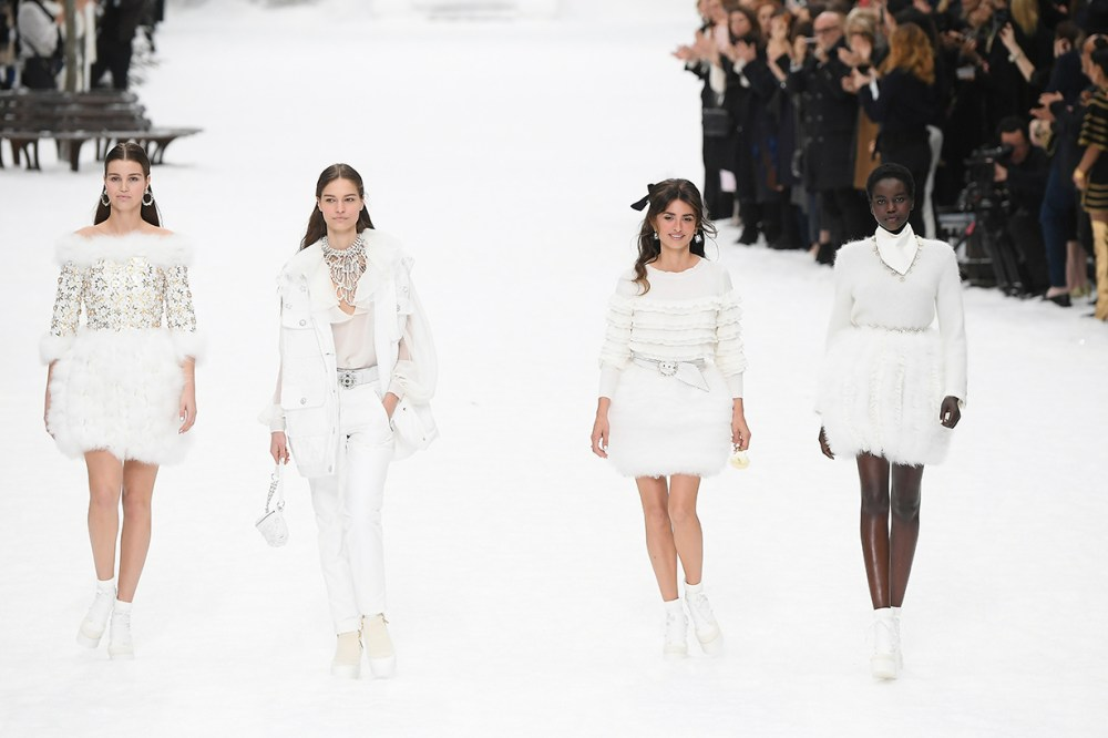 karl lagerfeld final chanel show Paris fashion week model tears
