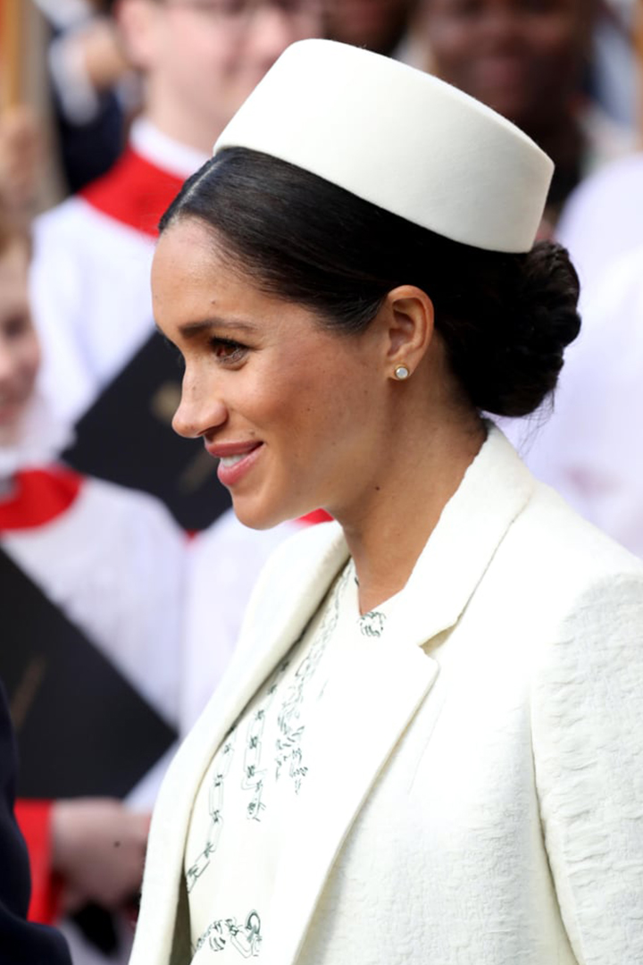 Meghan Markle Wore Victoria Beckham Chain Prints Dress