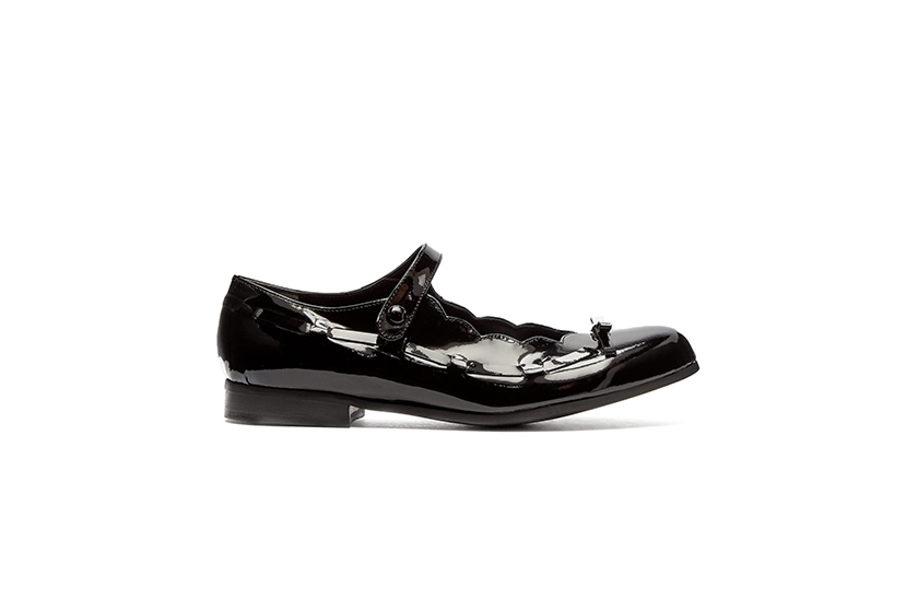 Comme des Garçons Scalloped Patent Leather Mary Jane Flats