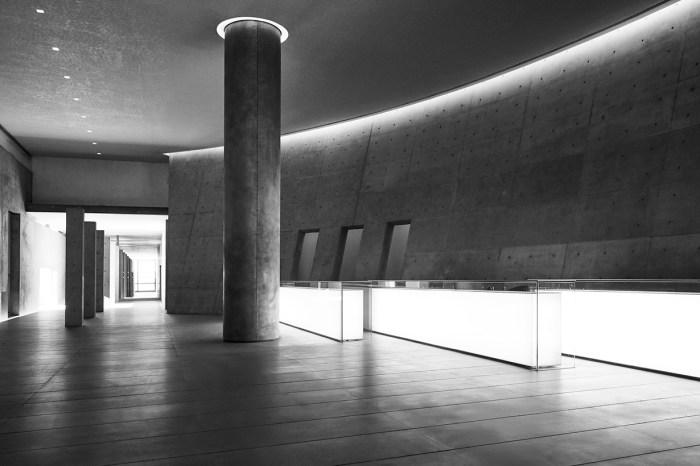 時尚與建築美學的融合:Giorgio Armani 與安藤忠雄舉辦展覽《挑戰》