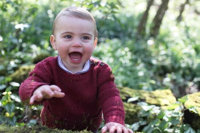 路易王子 1 歲生日了!凱特王妃親自拍攝,露出小小門牙也太萌!