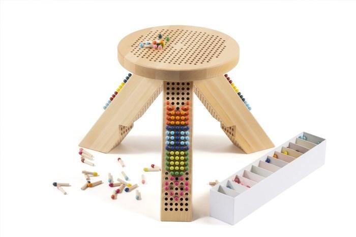 是木凳還是棋盤?Miu Miu 聯乘 M/M PARIS,推出大人小孩也愛上的限量家品!