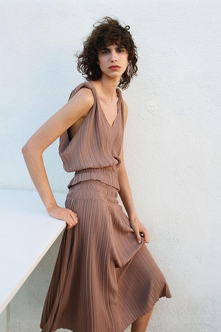 Zara's Minimalist Capsule Collection 2019 Lookbook