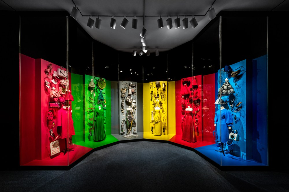 dior-from-paris-to-the-world-exhibition