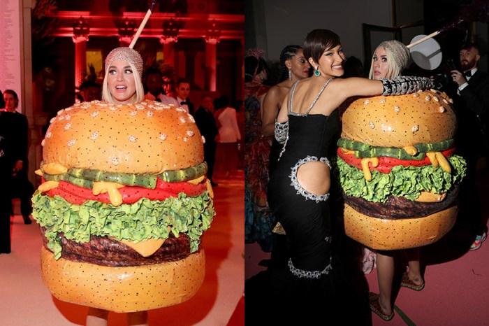 Met Gala 笑料不斷:Katy Perry 在廁所變身漢堡,驚嚇到路過的 Jennifer Lopez!