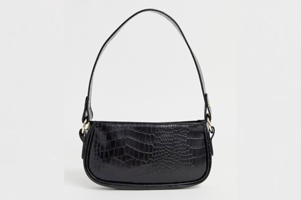 Shoulder Bags have begun to rise in popularity