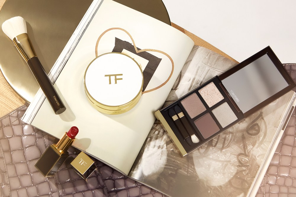 TOM FORD Soleil Glow Tone Up Foundation Hydrating Cushion Compact